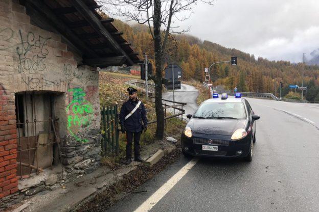 Un francese deturpa una casa in Alta Valsusa: denunciato dai Carabinieri