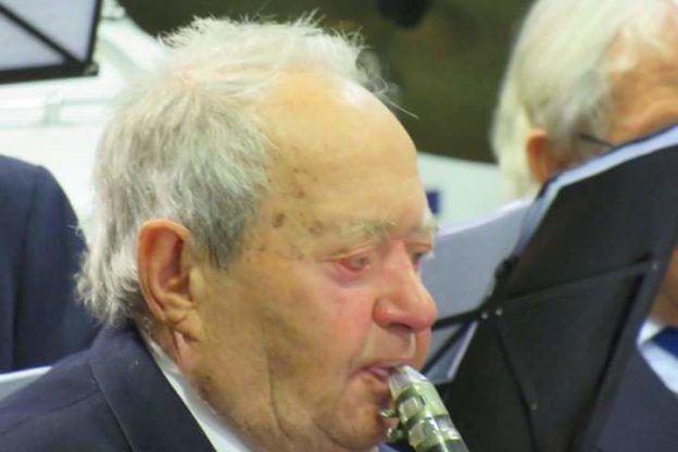 Giovanni Versino, il clarinettista 96enne che suona in Banda da 80 anni