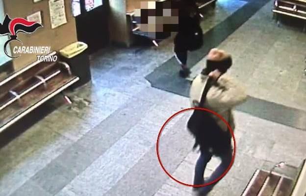 """""""Beccato"""" dai Carabinieri il ladro di zaini che colpiva nelle stazioni. È un 31enne di Oulx"""