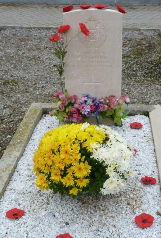 Oulx, chi continua a curare la tomba del soldato inglese John Taylor?