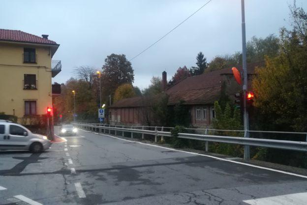 Giaveno, in arrivo il T- red per il semaforo di via Selvaggio