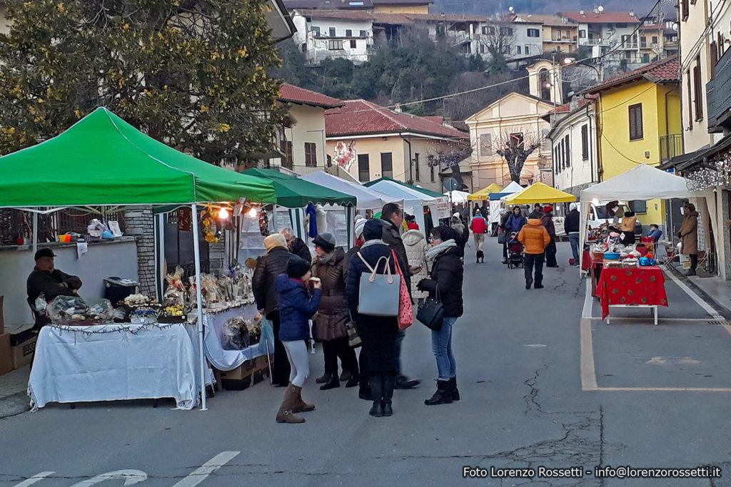 Natale a Villar Dora con musica, bancarelle e cavalli