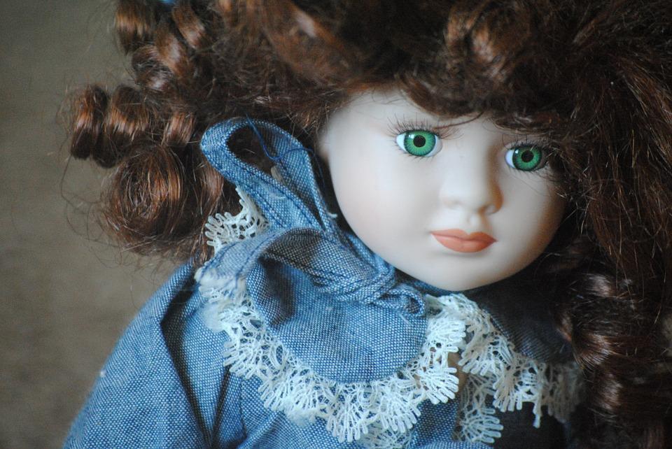 La bambola tanto desiderata. Il racconto natalizio di Laura Petrino