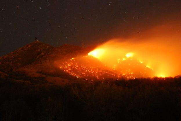 Si allargano le fiamme sul Monte Musinè