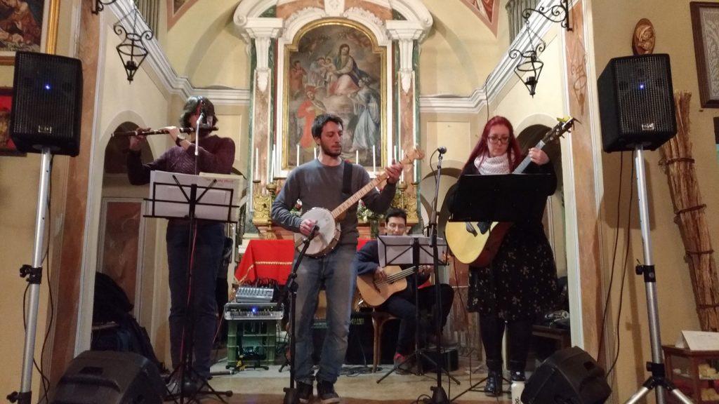I The Blue Ridge Rhymers suonano al santuario di Caselette