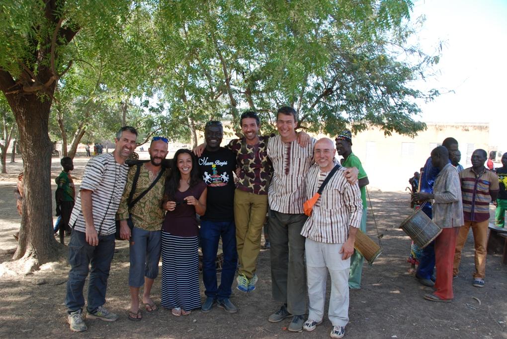 """Da Sangano al Burkina Faso per """"aiutarli a casa loro"""". Il viaggio di 7 volontari"""