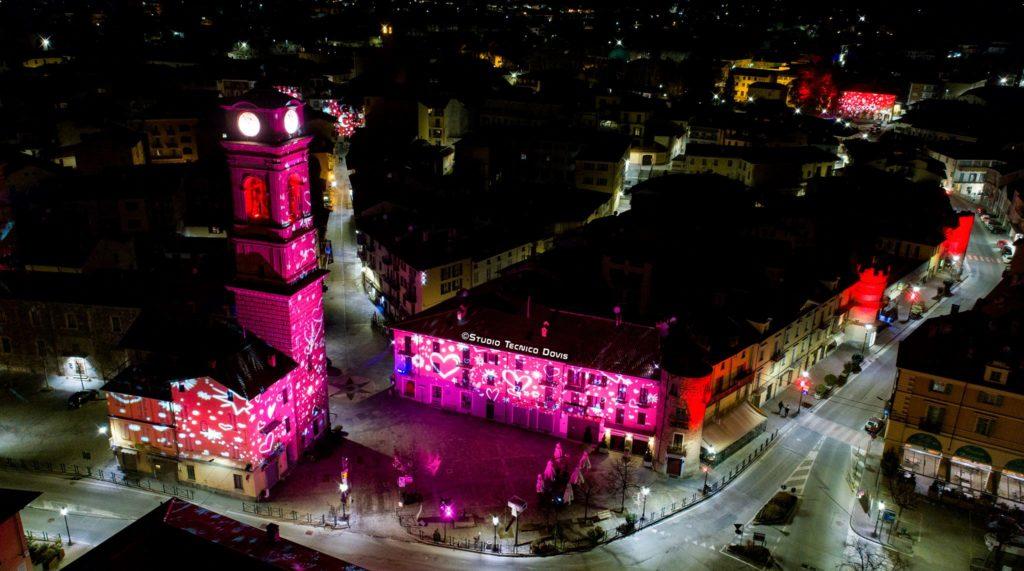 Giaveno città dell'amore grazie alle luci di San Valentino. Le foto di Dovis
