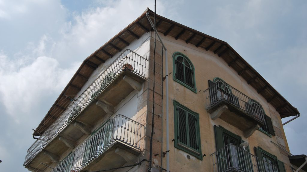 """Coazze, l'alloggio confiscato  diventa """"Rifugio della Legalità"""". Foto"""