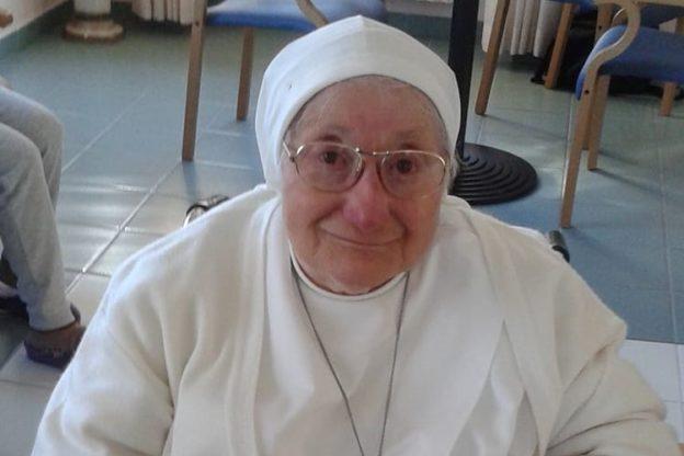 """Coazze ha detto """"A Dio"""" a Suor Santina, una vita dedicata all'asilo Prever"""