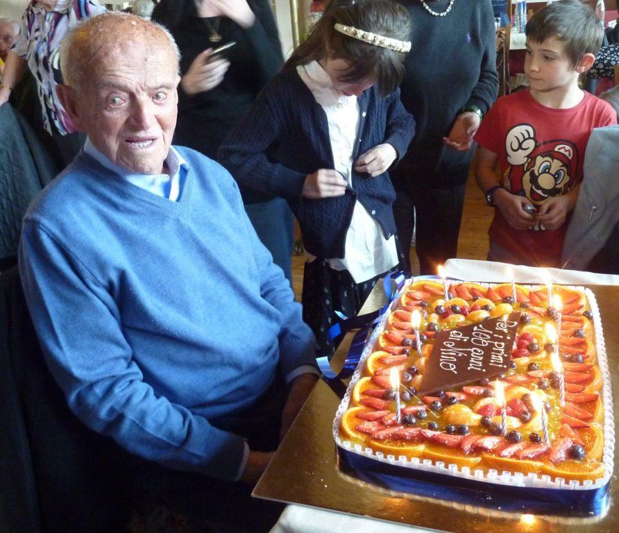 A Giaveno c'è Giovanni Usseglio, il centenario che vive sereno da solo