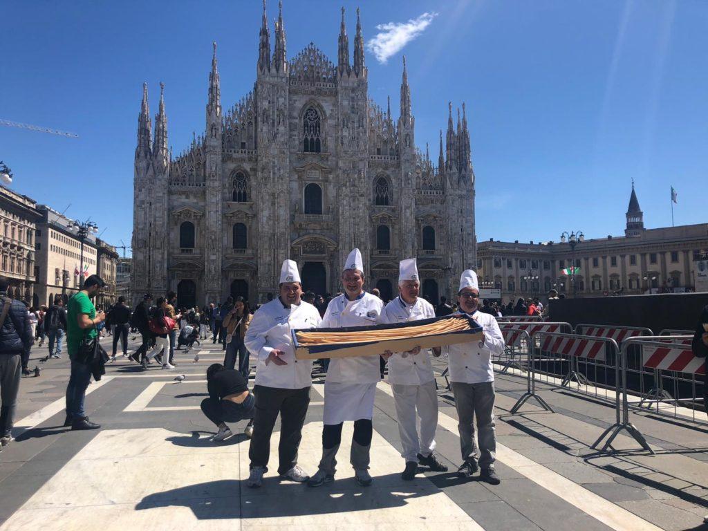 I grissini giavenesi conquistano Piazza Duomo a Milano