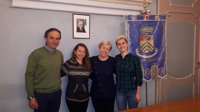 Sant'Antonino, Chiara e Rossella volontarie in Comune