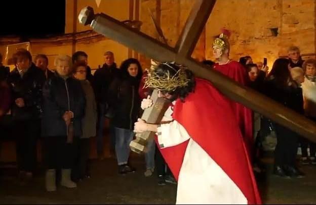 Da giovedì 18 aprile, con La Valsusa, il dvd della Via Crucis di Villar Focchiardo