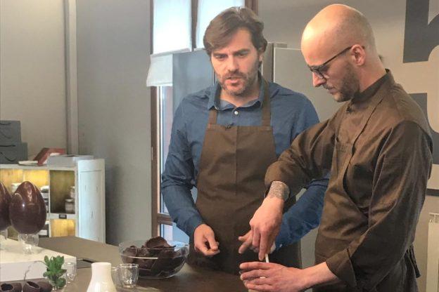 Le telecamere di Unomattina nel laboratorio del cioccolatiere Castagna