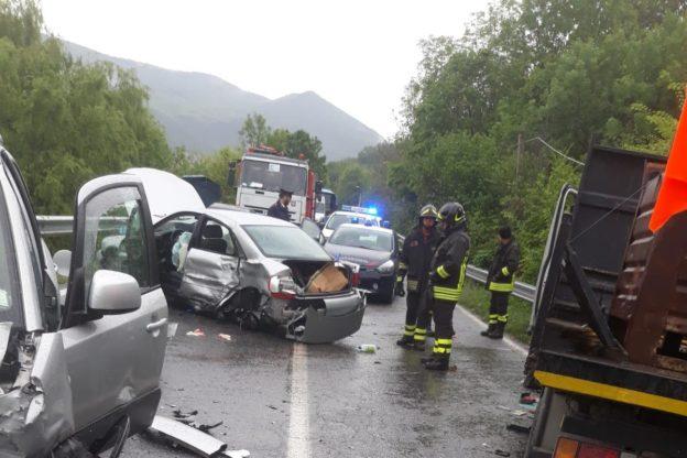 Incidente stradale fra Trana e Giaveno: tre feriti portati in ospedale. Foto