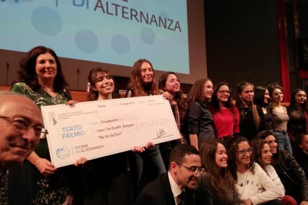 """La Camera di Commercio di Torino premia il liceo Scafidi per le """"Panchine letterarie"""""""