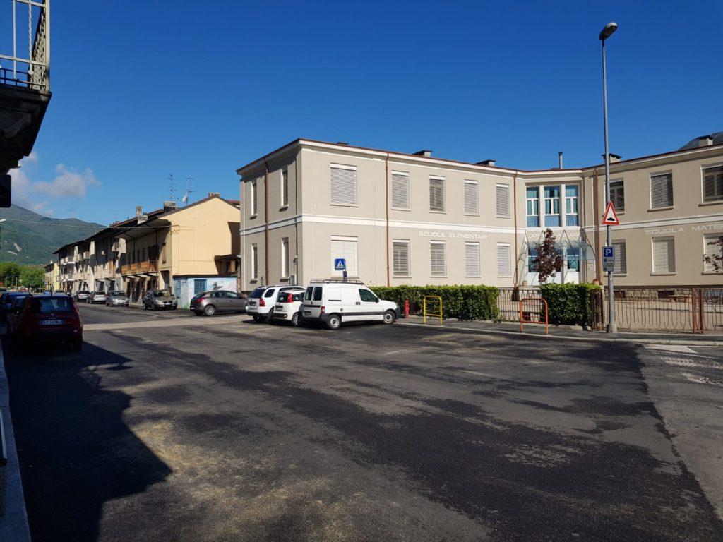 Sant'Antonino, auto investe pedone in via Torino. Scattano le proteste