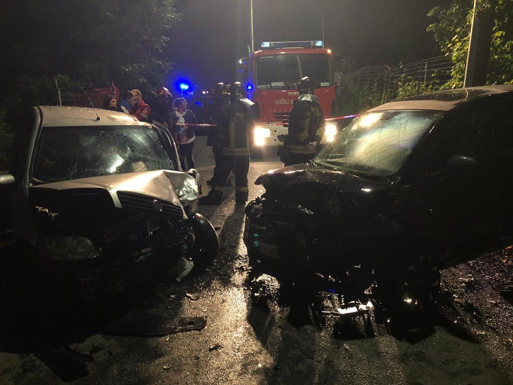 Avigliana, scontro frontale in via Grignetto: 5 feriti, uno è grave