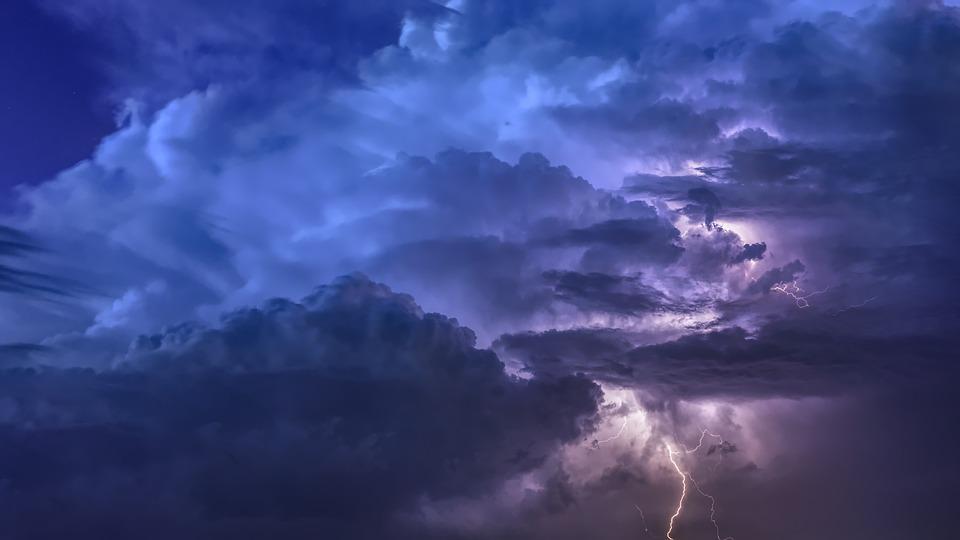 Maltempo in arrivo: si prevedono forti temporali su tutto il Piemonte