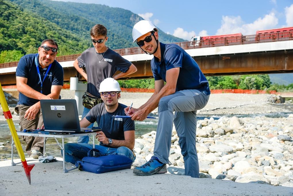 Giaveno, i geometri Rosa Clot volano in tutto il mondo con i loro droni