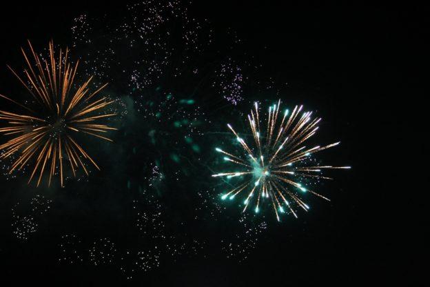 Giaveno, il coronavirus non ferma i fuochi d'artificio per San Lorenzo