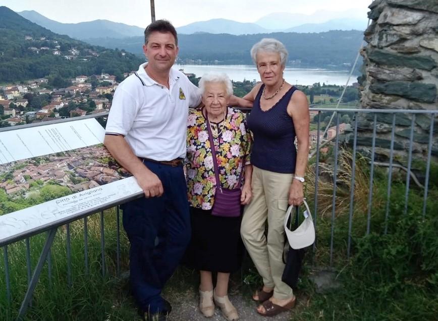 """Avigliana, Nonna Emma (101 anni): """"Ci sono troppe erbacce al Castello"""""""