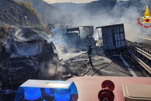 Le foto dello spaventoso incidente sulla Torino- Bardonecchia