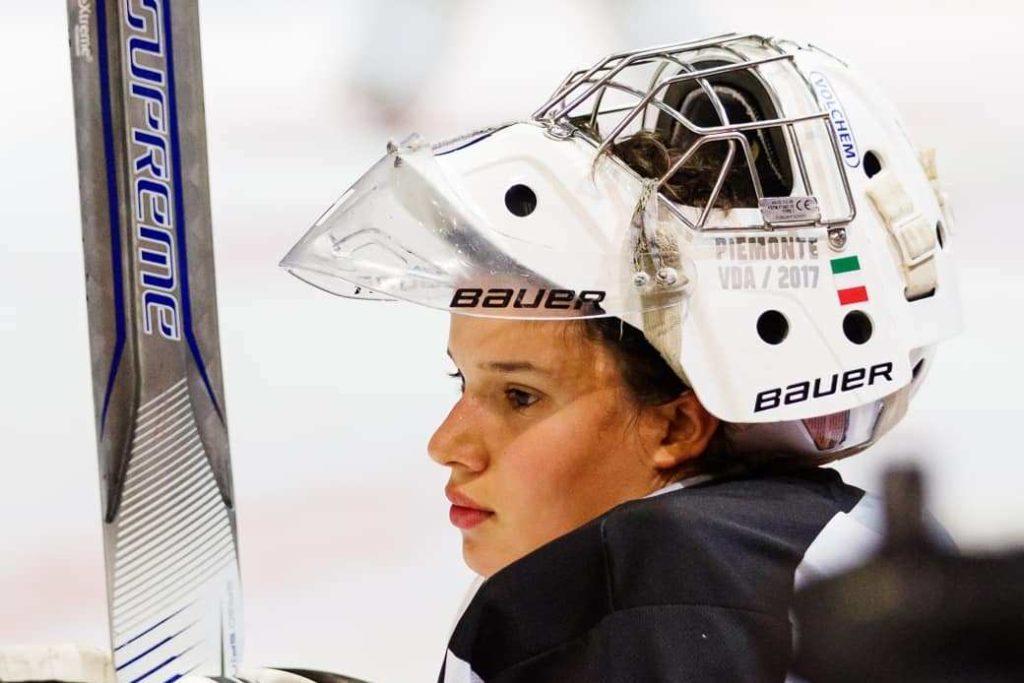 Carlotta Regine, da Giaveno alla Finlandia per amore dell'Hockey su ghiaccio