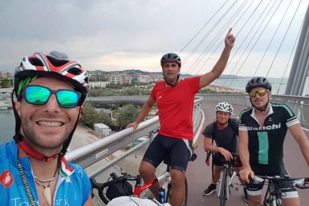 Da Giaveno a Bisceglie in bici. La particolare vacanza di quattro ragazzi