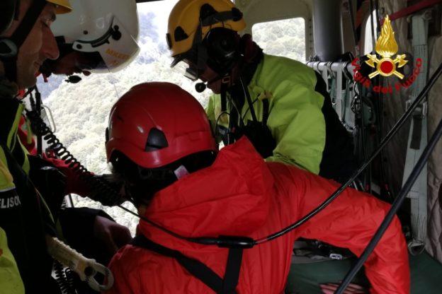 Escursionista si perde in Val di Susa: ritrovato dai Vigili del Fuoco