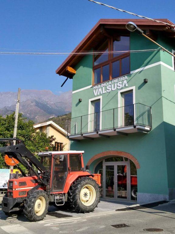 Il Mulino Valsusa compie un anno e i suoi prodotti sbarcano sul web