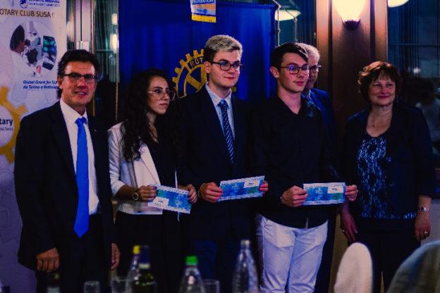 Il Rotary Club Susa e Val Susa premia tre studenti del Norberto Rosa