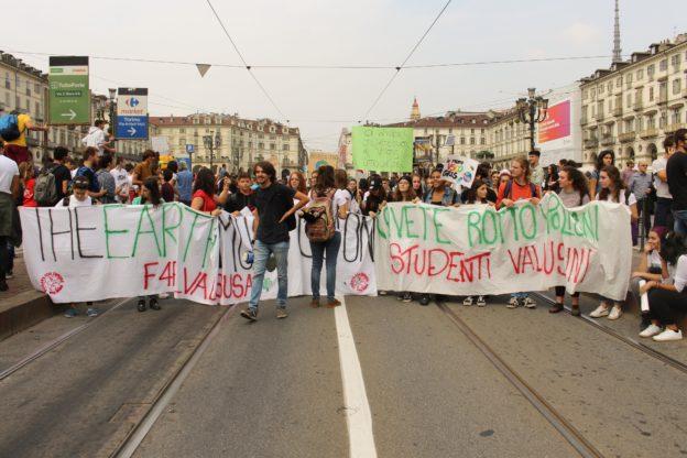 Torino invasa dai giovani: attivi, splendidi e irrequieti