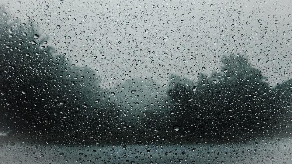L'estate sta finendo: in arrivo temporali e temperature autunnali