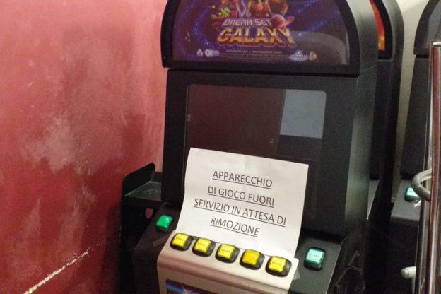 Giaveno, multa da 8mila euro per non avere spento le slot machine