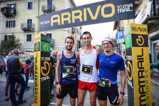 condove - I primi tre della quinta edizione del Toma Trail. Da sinistra a destra Andrea Negro, Andrea Pelissero e Mattia Cardello