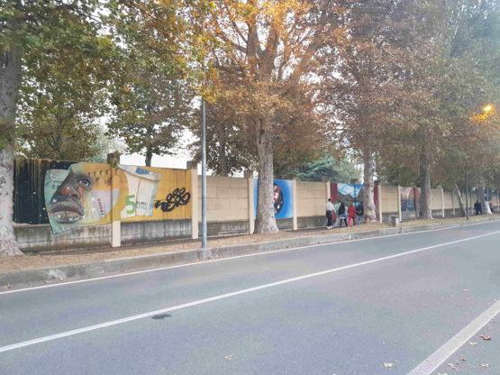 condove - i murales sull'accoglienza in via Torino