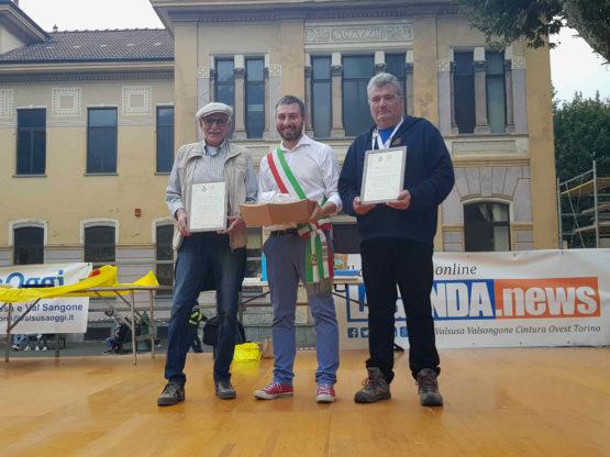 condove - il sindaco Suppo, il presidente Pro Loco Montanaro con Domenico Vergnano, ex presidente della Pro Loco, ideatore della Fiera della Toma