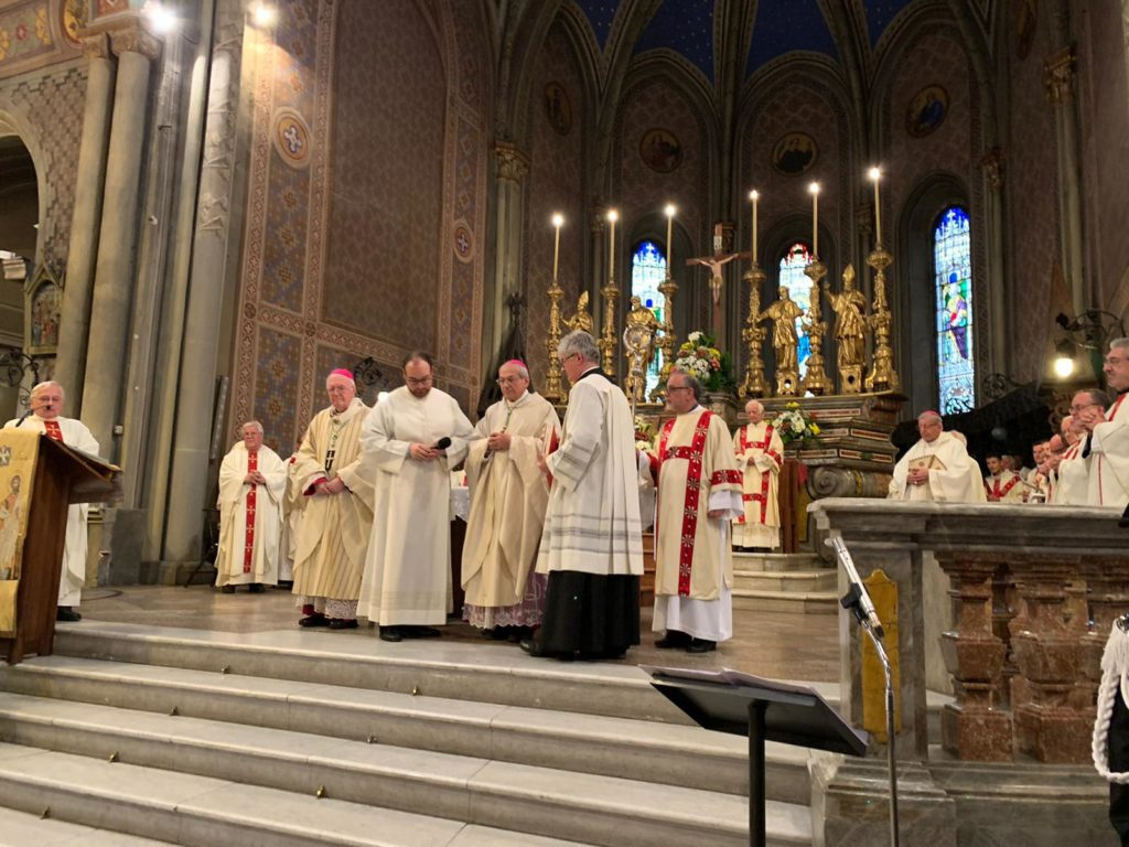 Susa, Monsignor Nosiglia ha fatto il suo ingresso in cattedrale