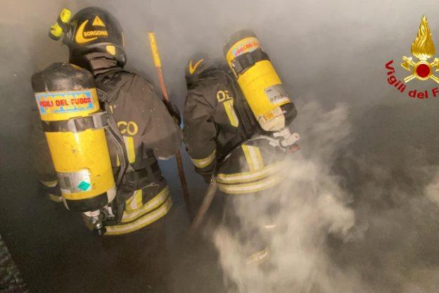 A Villar Dora prende fuoco un capanno. Intervengono i Vigili del Fuoco