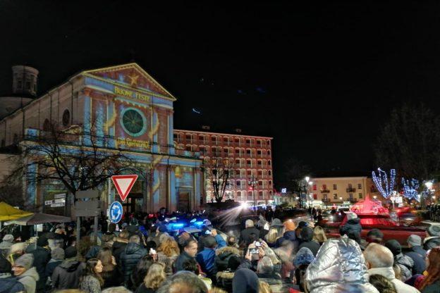 Giaveno si accende con il Festival delle luci – VIDEO e FOTO
