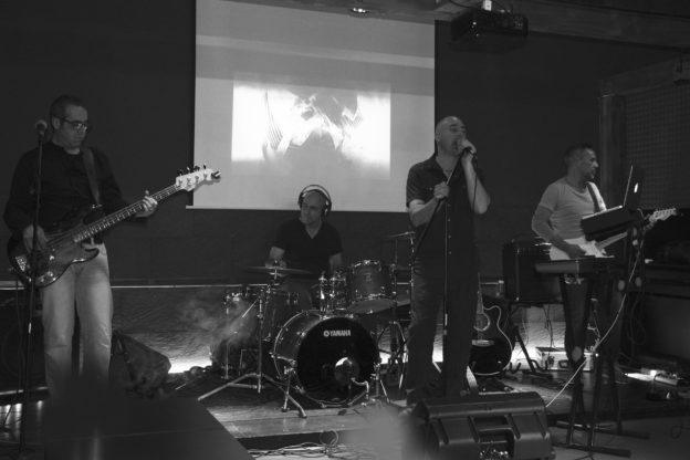 Vaie, sabato 14 a Le Valvole: una notte di rock elettronico con gli Alieni