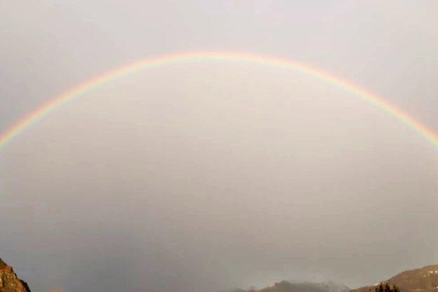 Un arcobaleno incornicia la Val di Susa- Video