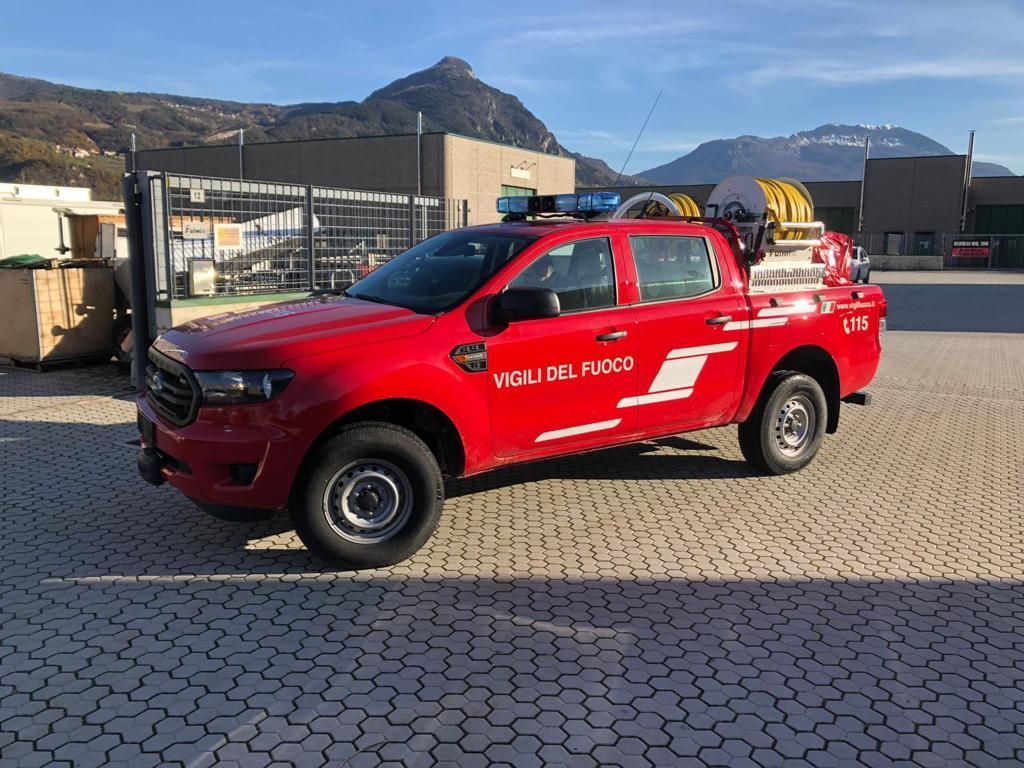 Un nuovo automezzo per i Vigili del Fuoco di Giaveno