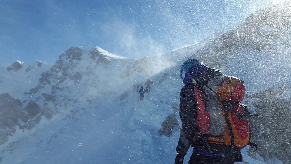 La Federazione Italiana Escursionismo è pronta a mettere gli sci ai piedi