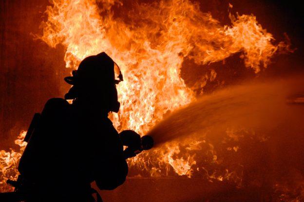 Grosso incendio a Traduerivi: intervento in corso