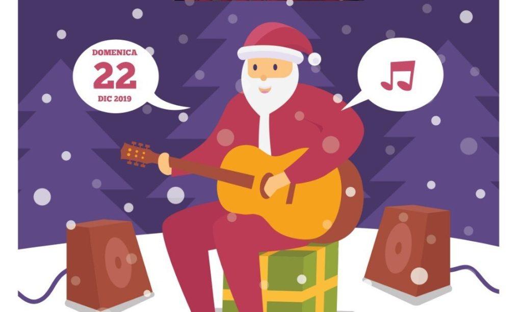Pomeriggio in musica, la band di Babbo Natale suona a Susa
