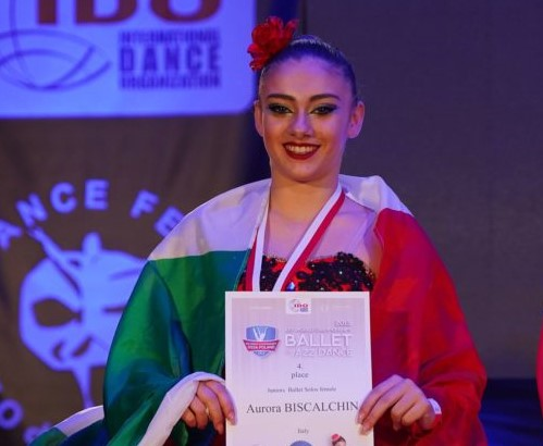 Alpignano, Aurora Biscalchin vola nella danza classica