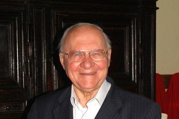 Avigliana, addio a don Toso, parroco di San Giovanni per 22 anni