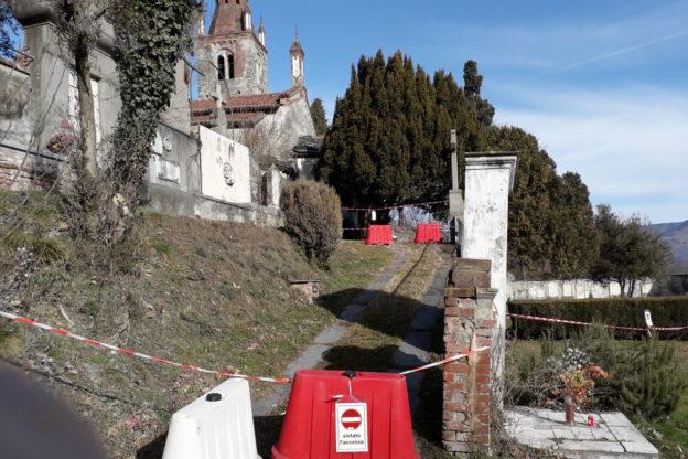 Avigliana, cede il muro di accesso del cimitero di San Pietro